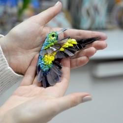 Круглый поднос на дне изображена красивейшая птица с разноцветными перьями, Царь-Птица